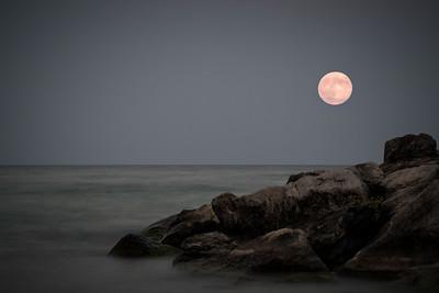 Super moon over Bluffers Park, Toronto